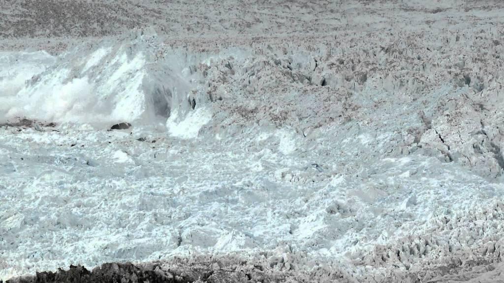 海の下まで含めると1000メートルの巨大氷河が崩壊する超ダイナミックな映像!!!
