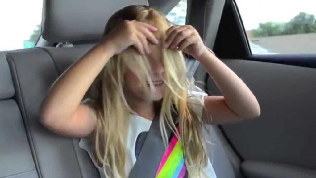 【感動】5歳の少女が「脱毛症で苦しむ人のために」自慢の長い髪を切って提供!