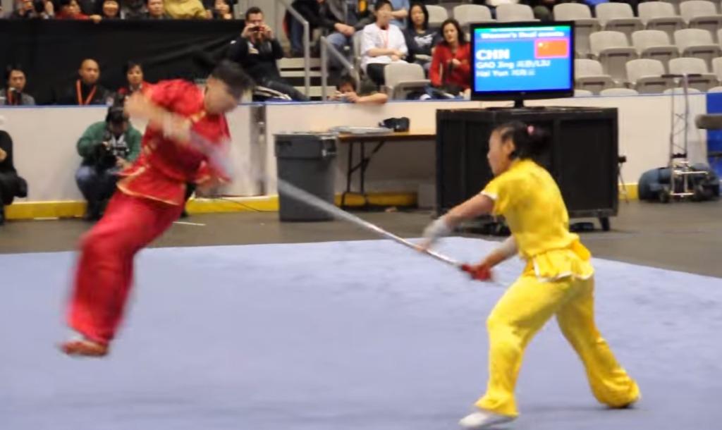 世界武術選手権で、ヤリを使った演舞がスゴい!目にも止まらぬ超スピーディーな戦い!!