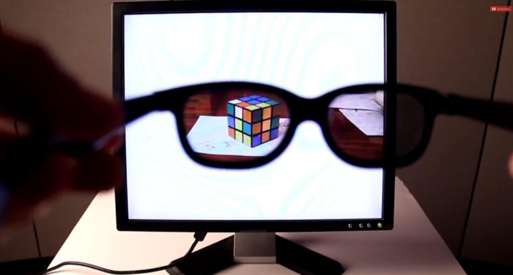 これで仕事中もサボり放題!表示している内容が自分にしか見えないメガネとディスプレイを自作!!