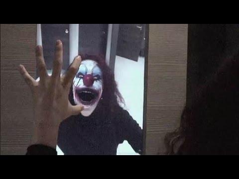 鏡に映った自分の顔が突然モンスターに!海外のハイテクドッキリ「モンスターミラー」が面白い!