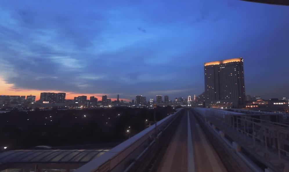 この街はSFのよう。夕暮れのユリカモメから見た東京の景色が美しくて鳥肌モノ!