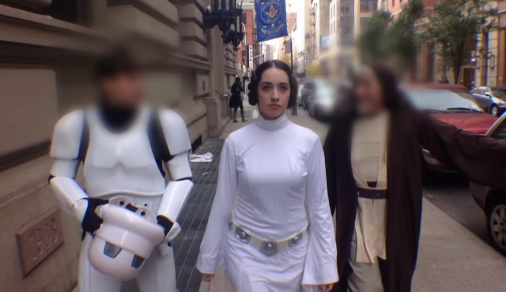 レイア姫のコスプレでニューヨークを歩いた結果、ヨーダ、ダースベイダーなどそうそうたる面子が釣れたwwwww