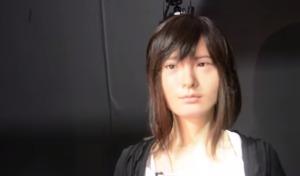 ほぼ人間まで進化したアンドロイド少女「アスナ」の最新映像!!