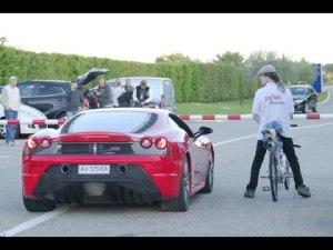 自転車圧勝!フェラーリ vs 世界最速のチャリ!【時速333キロ】