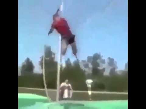 ジワジワ来たwww棒高跳びに失敗したけど最後まで諦めなかった男の結末