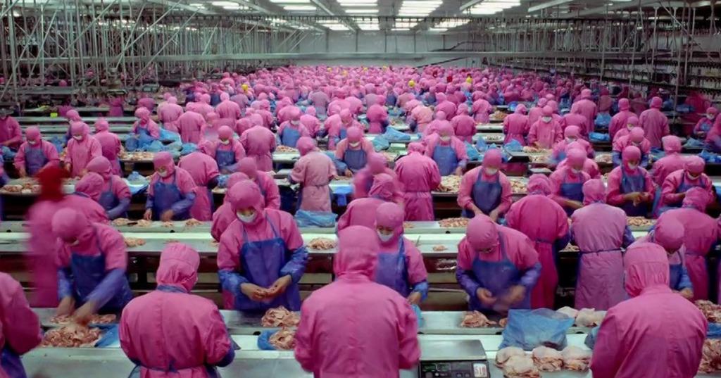 『食』とはなんなのかを考えされられる食料生産と消費の現実を示した6分間のドキュメンタリー