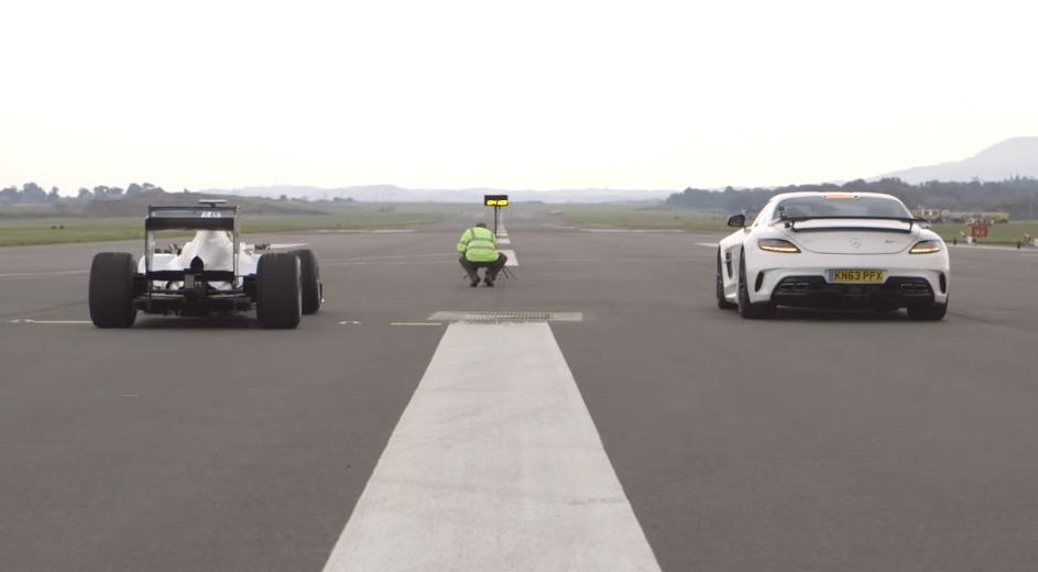 F1マシン圧勝!!市販最高峰のスーパーカー vs F1マシン!!!