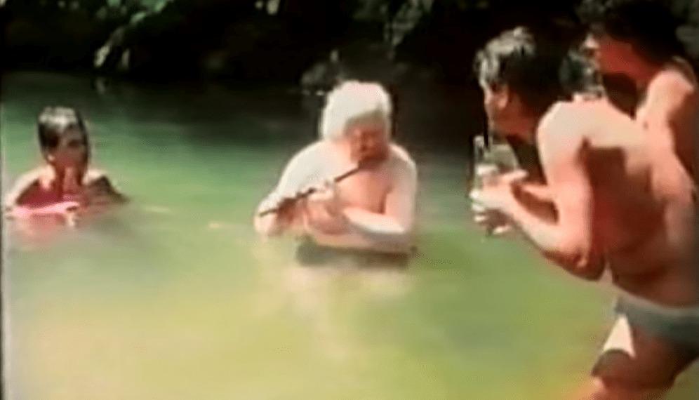 心洗われる妖しい音楽!半裸の人々がビンをフーフーして演奏する!この人実は、ブラジルの最重要現代音楽家「エルメート・パスコアール」!?
