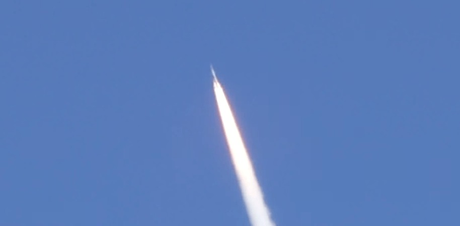 「はやぶさ2」が旅客機の窓から偶然撮影されて話題に!!!
