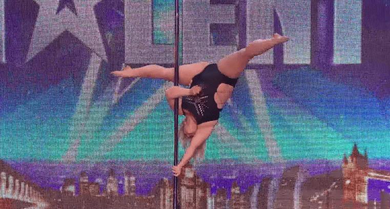 体重100kgの女性によるキレッキレなポールダンスに会場騒然!拍手喝采のパフォーマンス!!