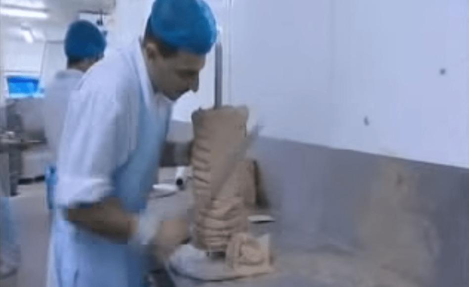 【工場見学】ケバブ屋にぶら下がってる肉ってこうやって作られているんだ!