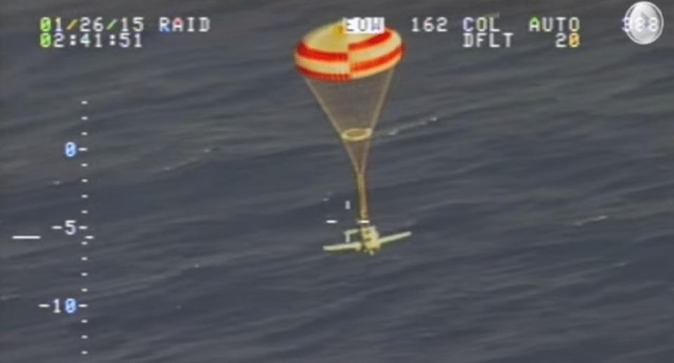 燃料切れで200マイル上空から飛行機が急降下するも奇跡的に機体もパイロットも生還、その理由とは?