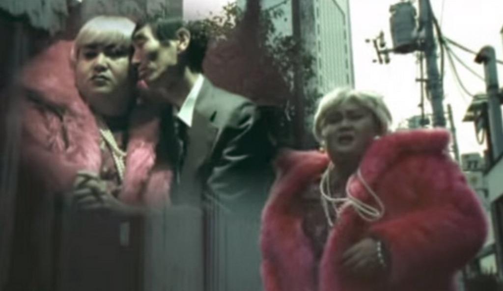 12年前のマツコ・デラックス!斉藤和義のPVに出演し「走る姿」が衝撃的!!
