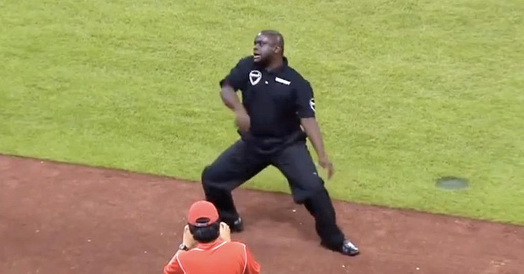 マスコットにダンス勝負を挑まれた警備員さん。勤務中なので無視していたものの、しつこい挑発に超絶ダンスで返し、球場中大盛り上がり!!