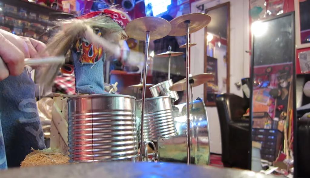 【神技】操り人形に完璧なドラム演奏をさせる驚きの神技テクニック!!