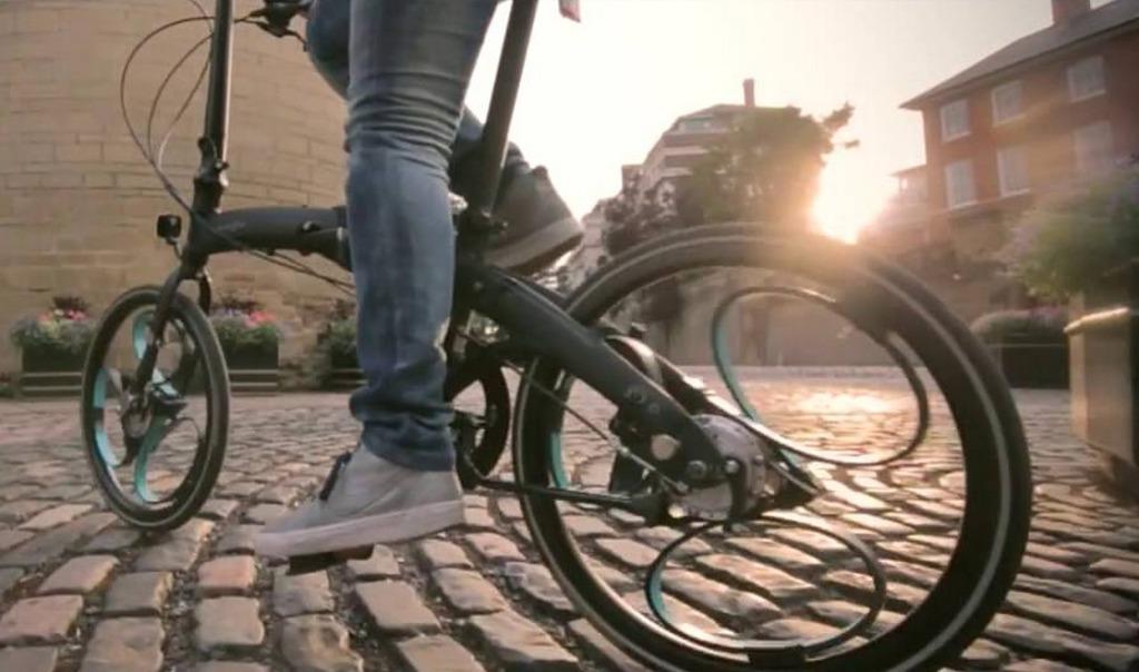 車輪とサスペンションが一体になった、乗り心地バツグンの自転車が登場!!