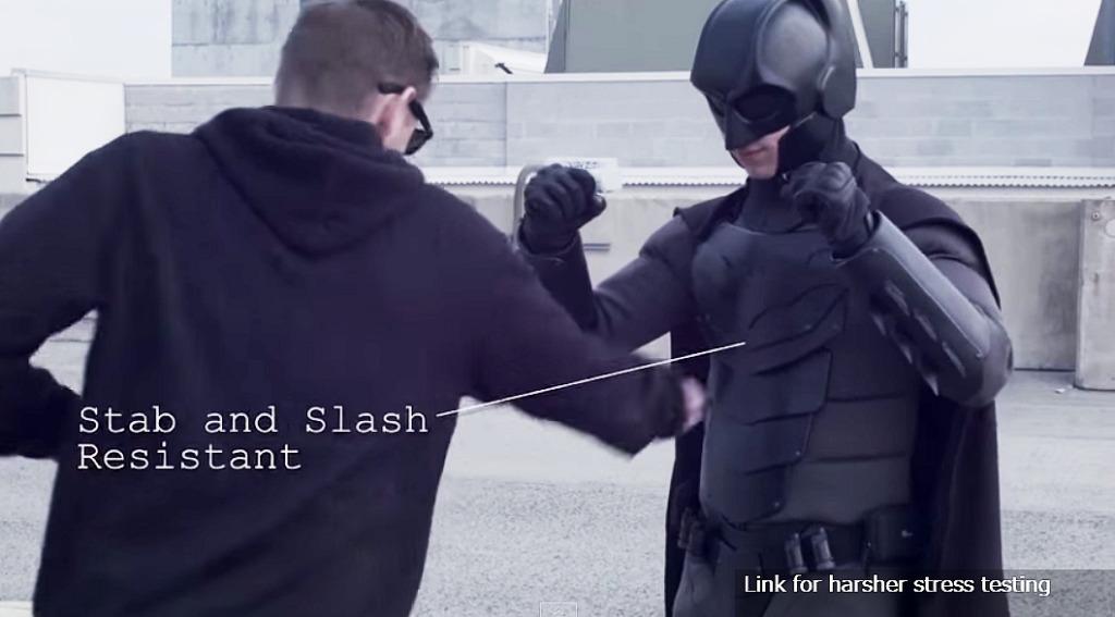 超完成度の自作バットスーツ!刺されても蹴られても大丈夫!しかも軽くて柔軟!!
