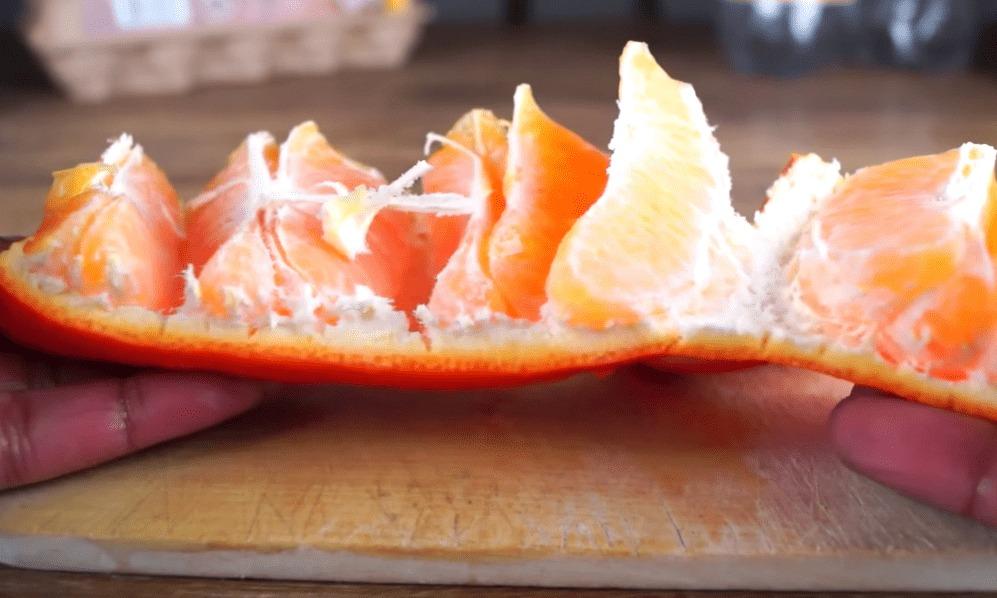 オレンジの皮が一瞬で剥ける超カンタンな方法!!