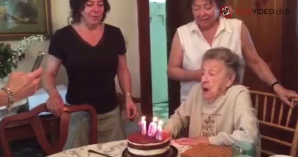 【爆笑】おばあちゃんの102歳の誕生日、勢い良く息を吹いたらとんでもないことにwwwwwwwww