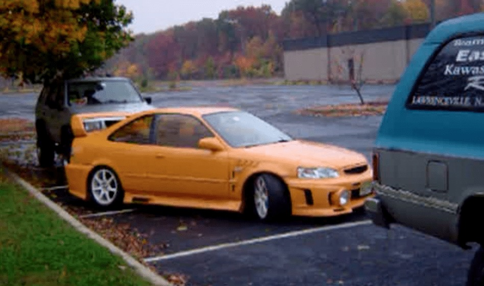 【凄技】後輪をロックし前輪を空回転させる、見たこともない縦列駐車の方法!!