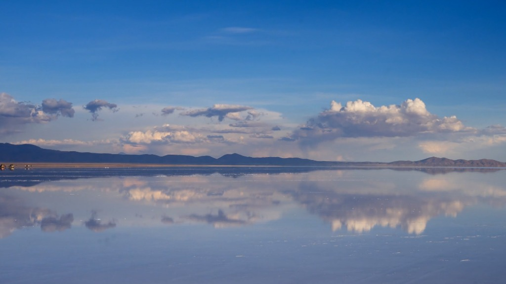 「天空の鏡」の異名を持つウユニ塩湖の高画質映像がやっぱりスゴい!!!