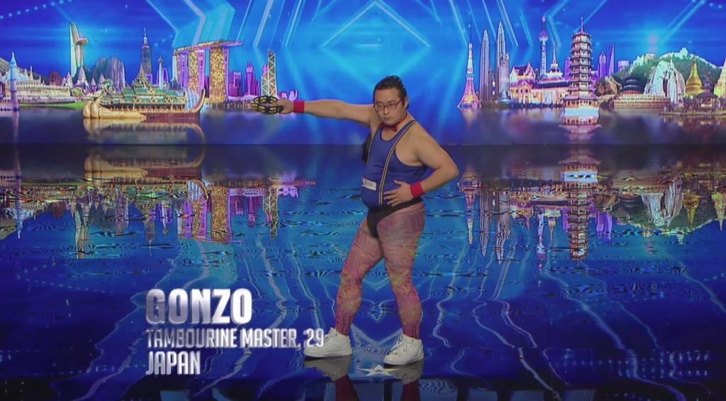 タンバリン芸人「ゴンゾー」さん、海外のオーディション番組でキレッキレのパフォーマンスを披露し会場中が爆笑の渦に!!