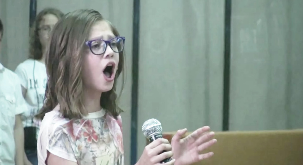 凄い声量!11歳の女の子が学芸会で披露したビヨンセが素晴らしい!!