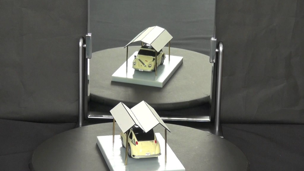 【錯視トリック】見る角度で形が変わる不思議な屋根!!