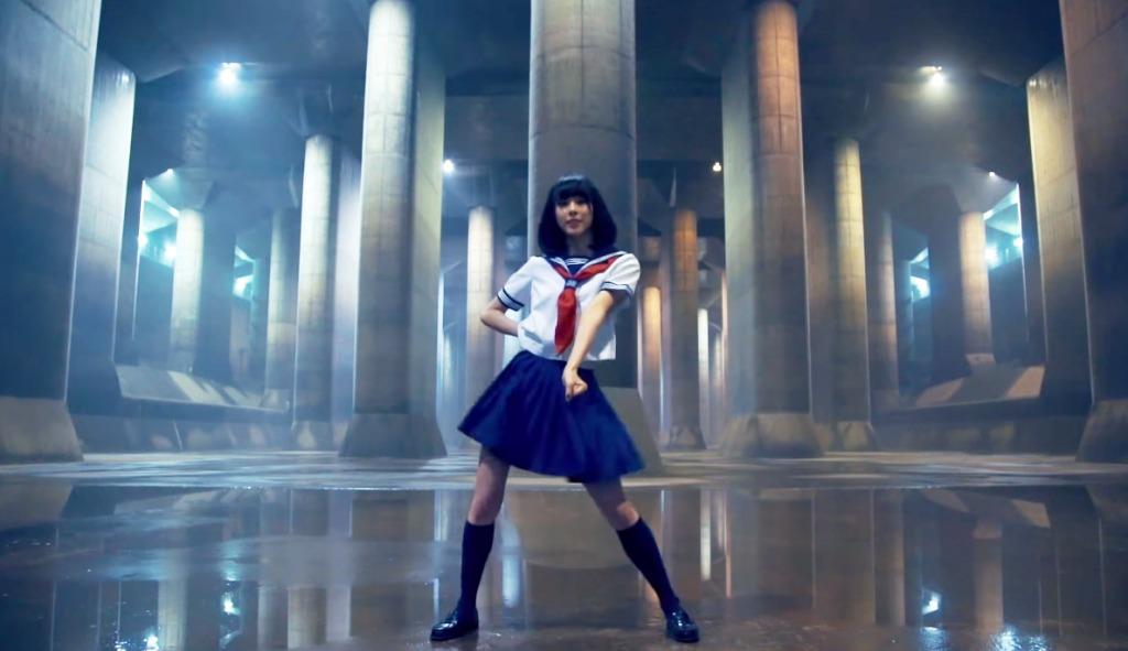 女子高生が首都圏外郭放水路で「ターミネーター」を踊ってみた!!