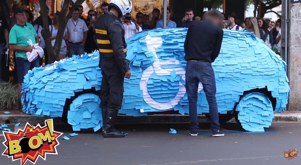 障害者じゃない人が障害者用駐車スペースに車を停めた結果、とんでもない制裁が!!