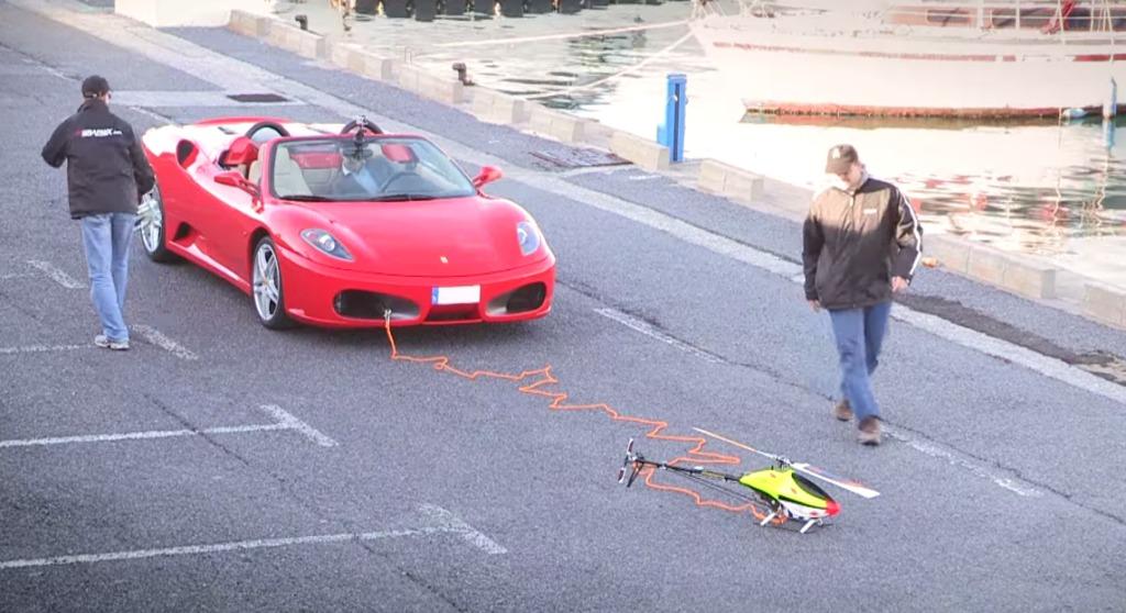 驚異のパワー!ラジコンヘリでフェラーリを牽引してみた!!