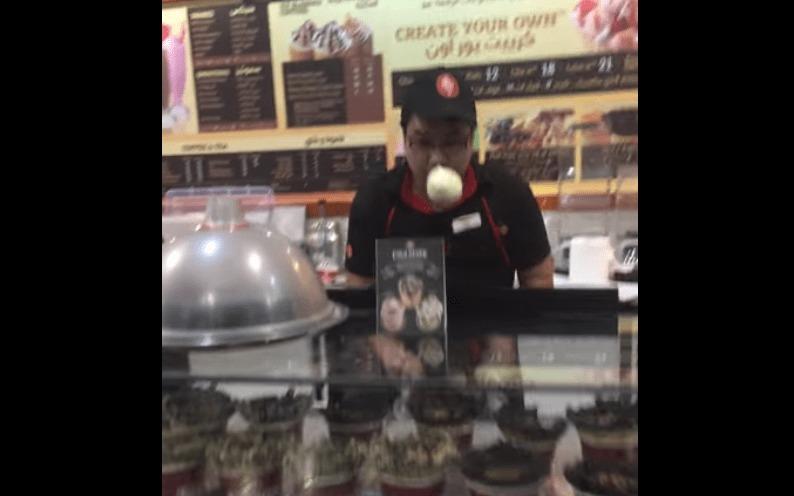 【神技】アイスが空中浮いてる!カタールのアイス屋の曲芸アイスメイキング技術!!