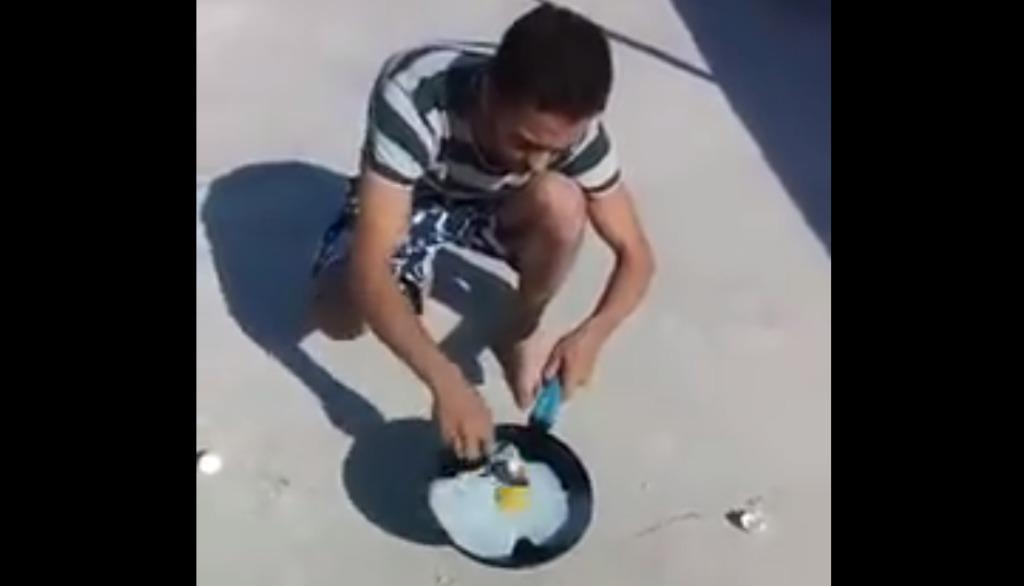 「地面の熱で卵を焼いてみた」というこちらの映像。よく見るとおかしいところが一点だけあります。どこが変だかわかりますか?