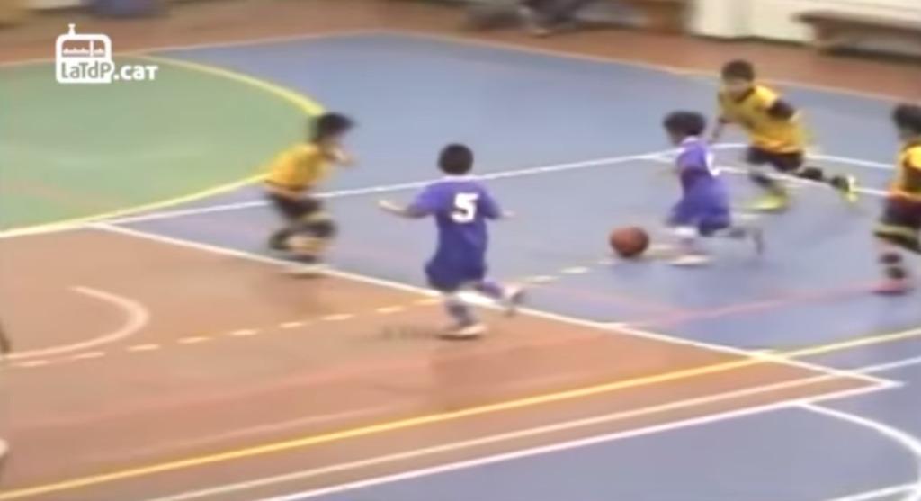 メッシの再来と言われ、世界が注目する天才サッカー少年のプレイが神!!