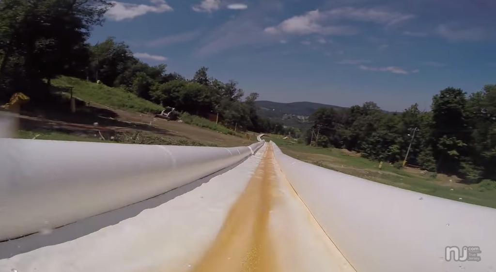 世界一長い全長600メートルのウォータースライダーが超楽しそう!!