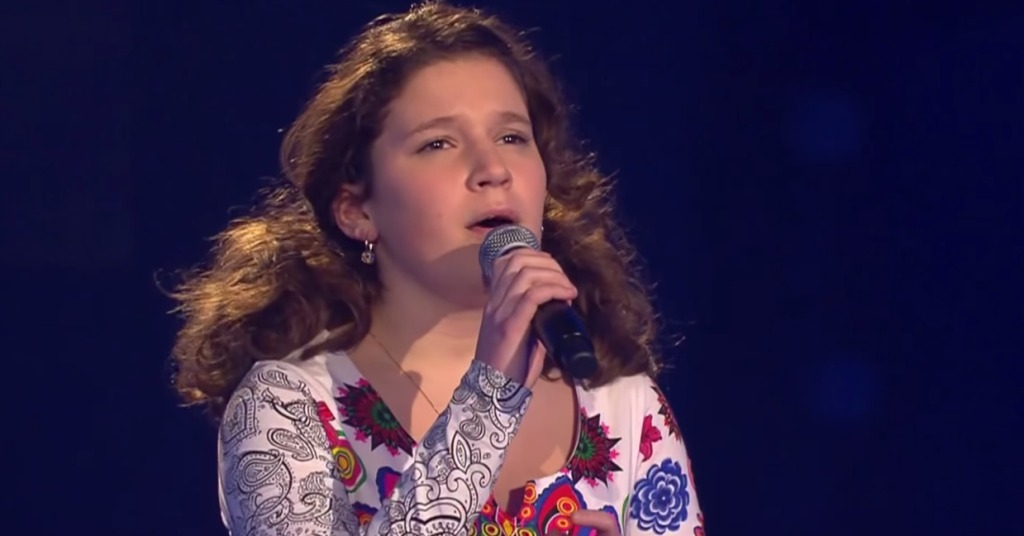 審査員号泣!オーディション番組で、少女がプロでも難しいとされる曲を歌いあげ、会場中が魅了される!!