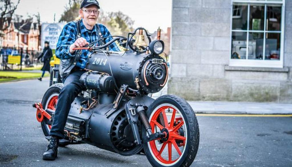 蒸気エンジンで走るバイクが超カッコイイ!!