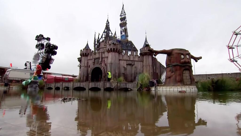 廃墟感がたまらない!悪夢のテーマパーク「ディズマランド」がオープン!!