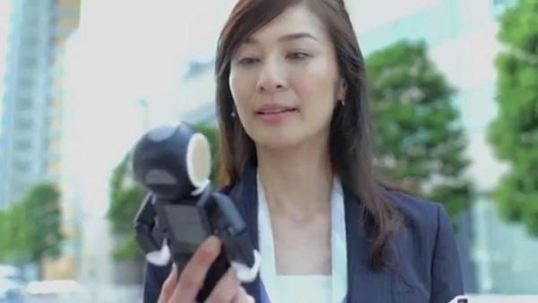 シャープのモバイル型ロボット電話「ロボホン」欲しくなる!【コンセプト動画】