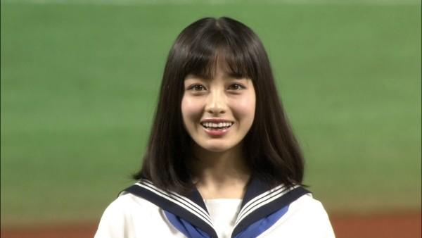 天使すぎるアイドル「橋本環奈」がセーラー服でノーバン始球式!