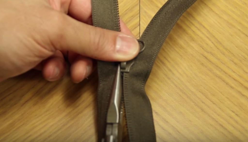 【目から鱗】壊れたファスナーはこれですぐ直る!超簡単な方法!!