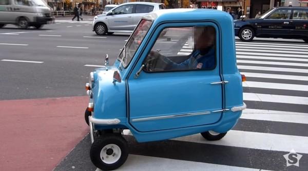 世界最小の自動車が驚異の小ささ!!!