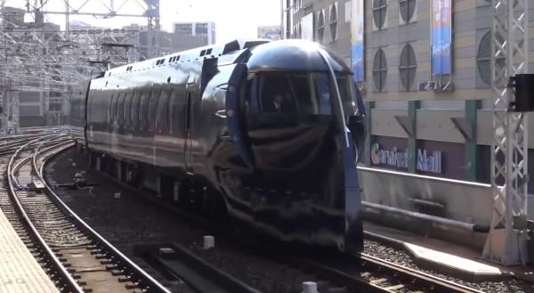 南海電鉄のダースベイダー風スターウォーズ列車が完成!気になる内部も公開!