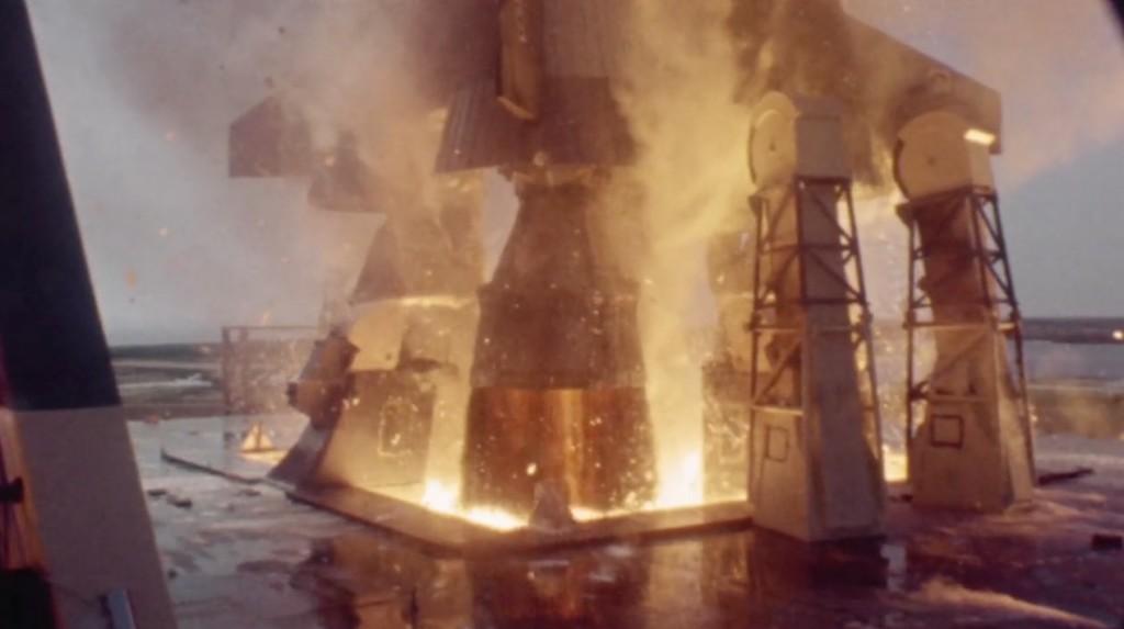 これが人類を月に送った「アポロ11号」の1億6000万馬力のエンジンの威力!デジタル処理でスーパースローモーション化した映像!!