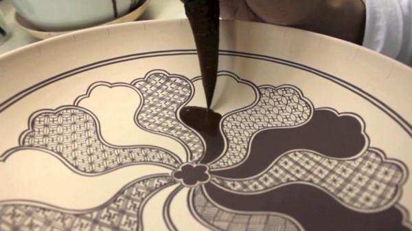 【職人技】手描きでこのクオリティ!あまりに美しい日本の「九谷焼」の彩色技術が世界中から絶賛される!!