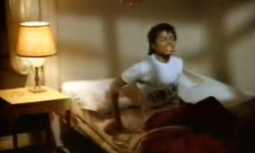 【爆笑】何度でも見たくなる中毒性「明日はピアノの発表会で、全然眠れないマイケル」が面白すぎるwwwwwwwww