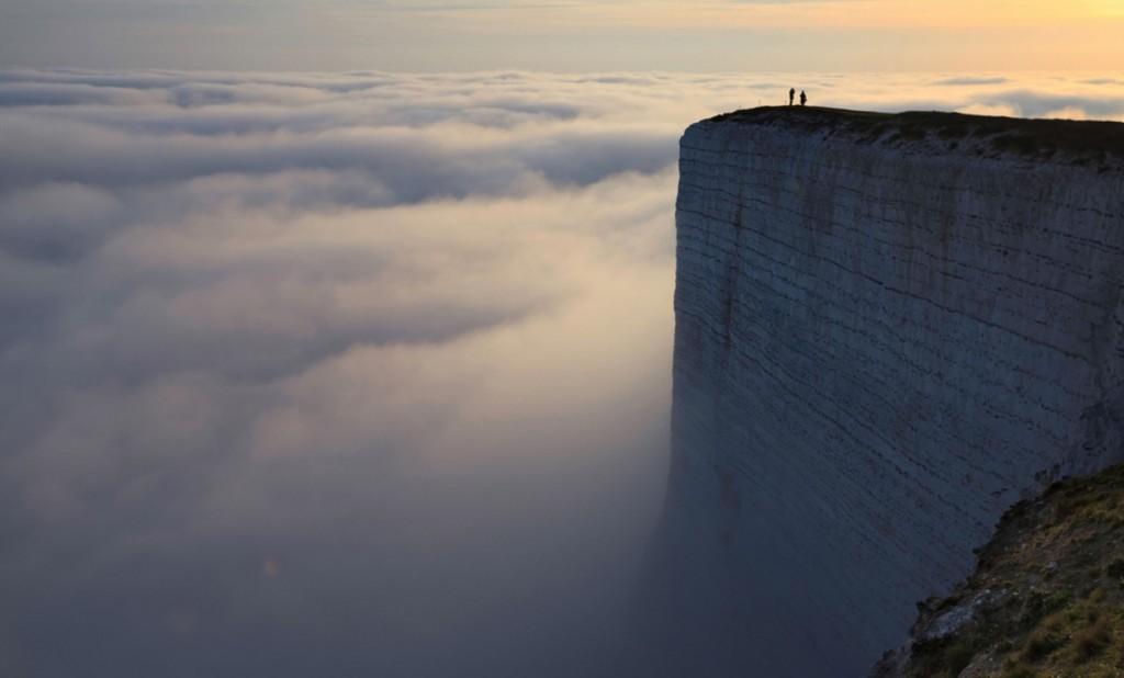 世界の果てのような絶景!イギリスの「ビーチーヘッド」の息を飲むほど神々しい光景!!