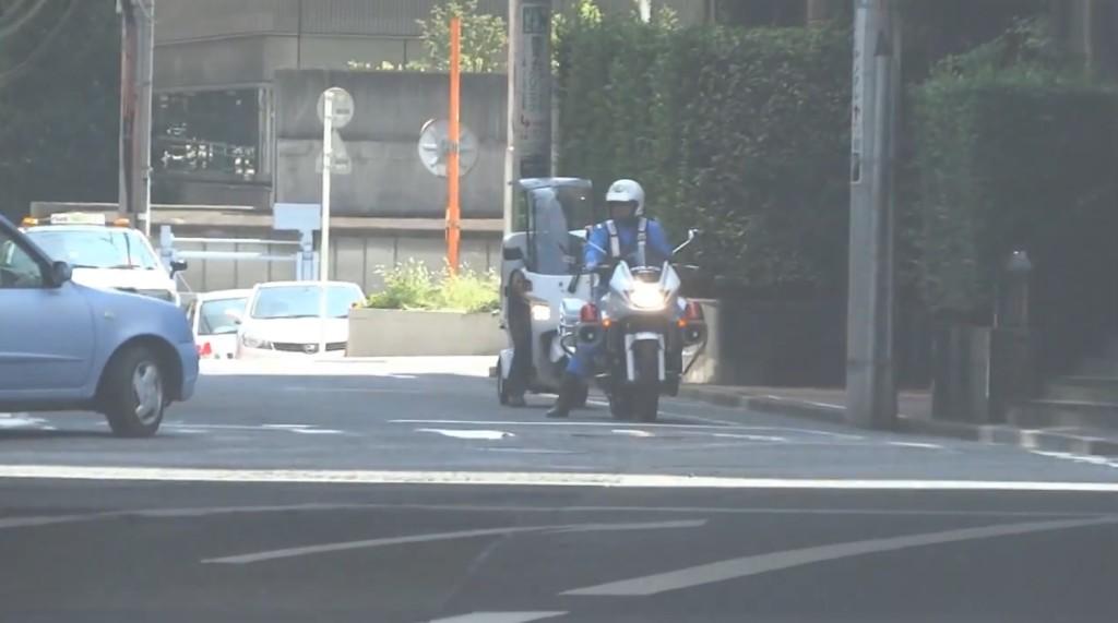 交通違反を未然に防いでくれた親切な白バイ隊員!!
