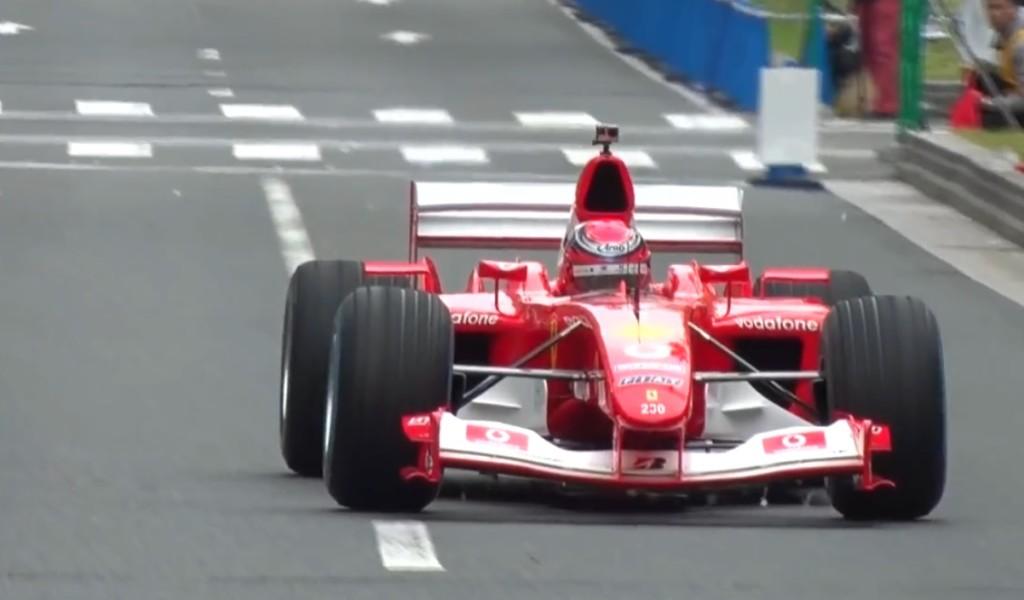 フェラーリのF1マシンが大阪御堂筋を疾走!V10エンジンの音が最高!!